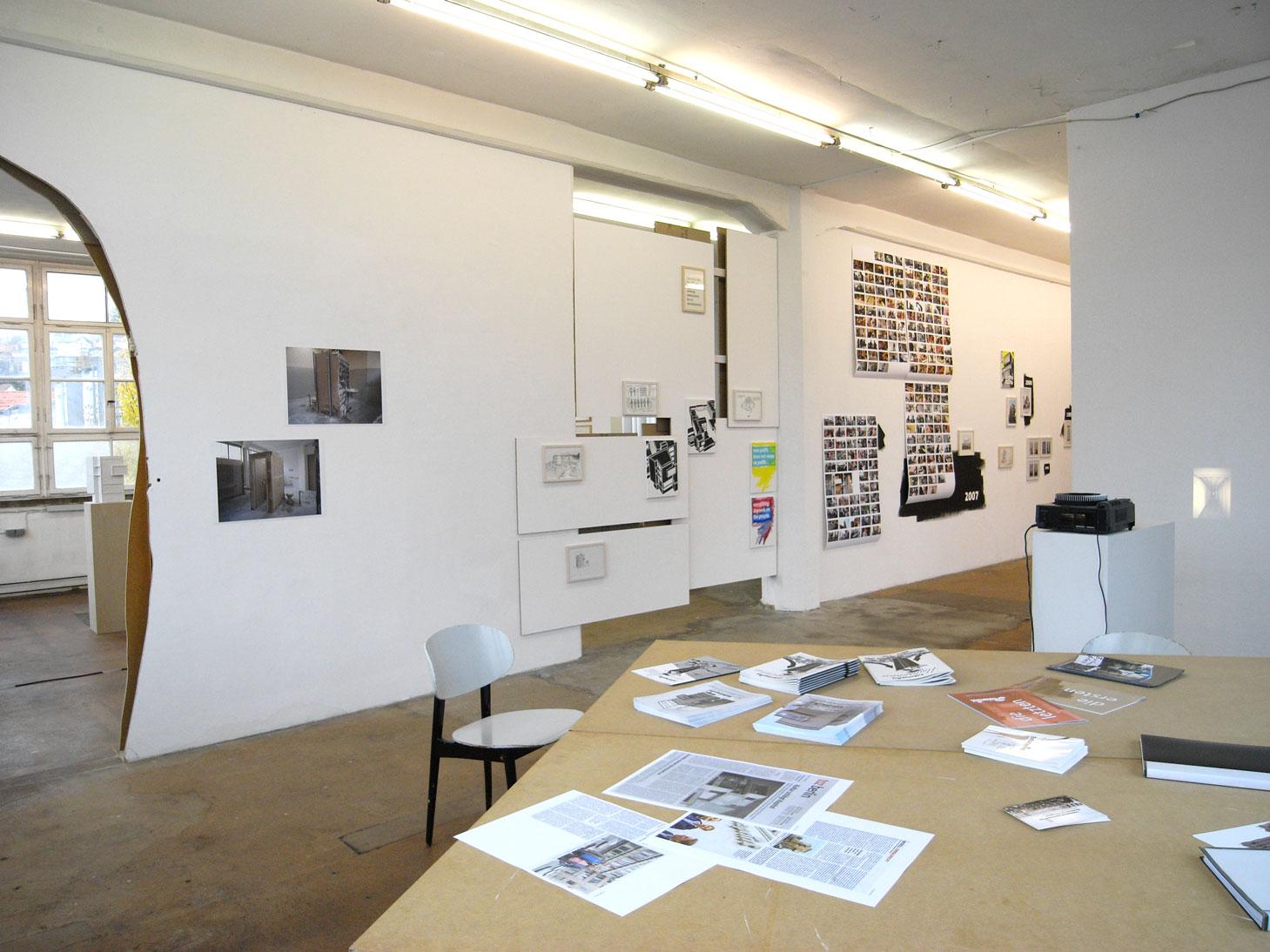 Les Schliesser, Daniela Brahm – »Ereignispanorama und andere Verwicklungen«, Installationsansicht