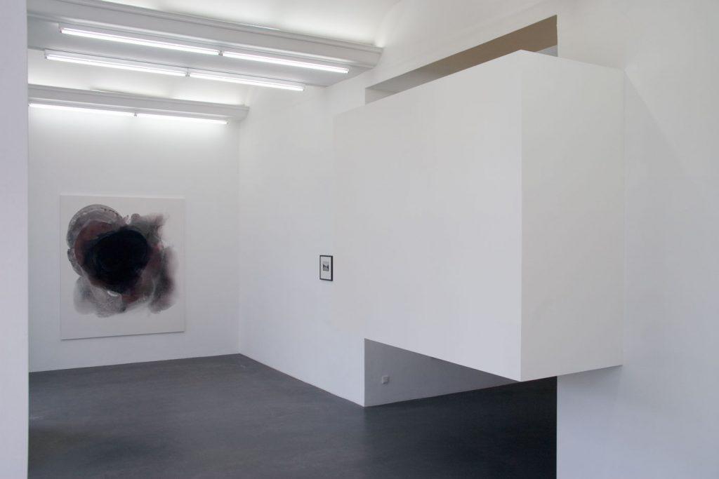 Les Schliesser – Installationsansicht: »Painting 602«, »Blinky3« und »Raumverdränger«
